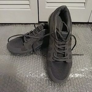 Womens baby phat maxes. Womens 10. Used